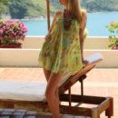 Russian blonde Wendy under tropical sun