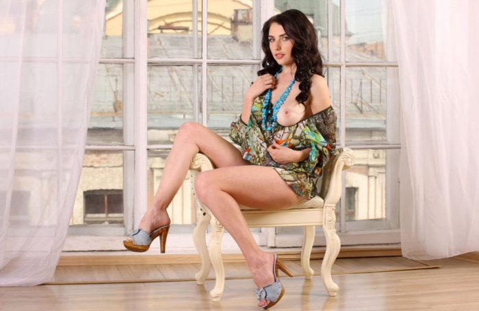 Very hot brunette Niemira removes white panties
