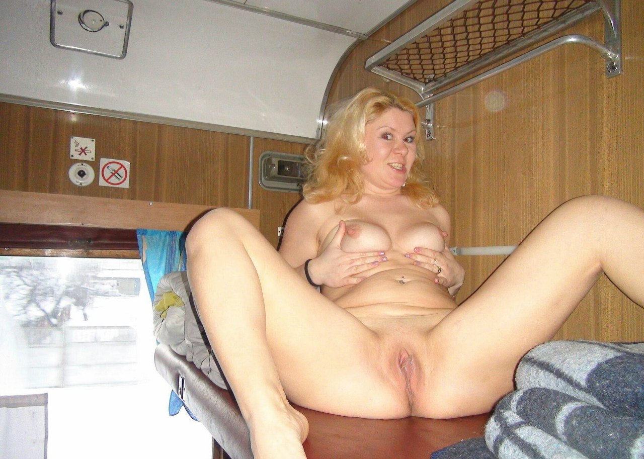 Amateur blonde wife