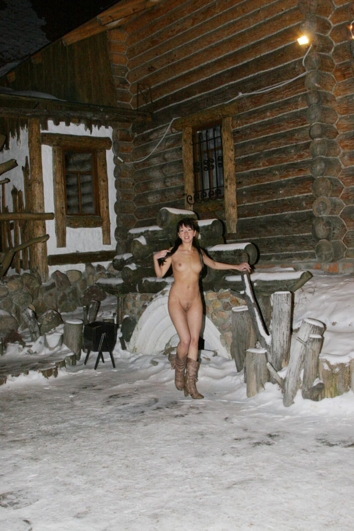 Brunette Alena T walkns naked at winter night
