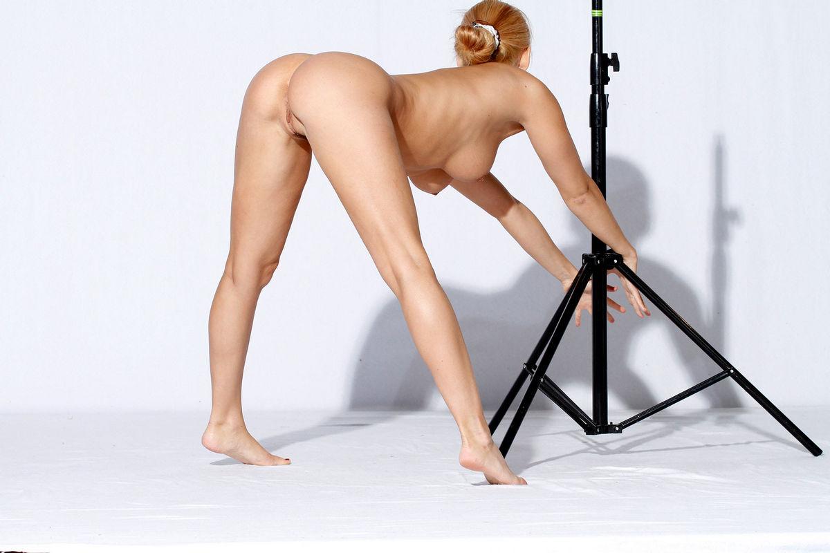 curvy female gymnast body