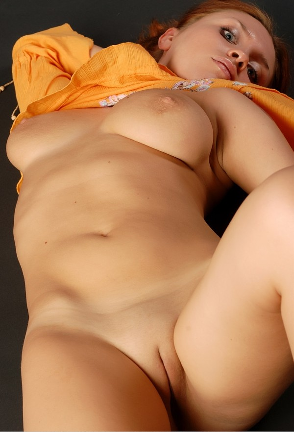 Inexperienced redhead with lovely tender melons