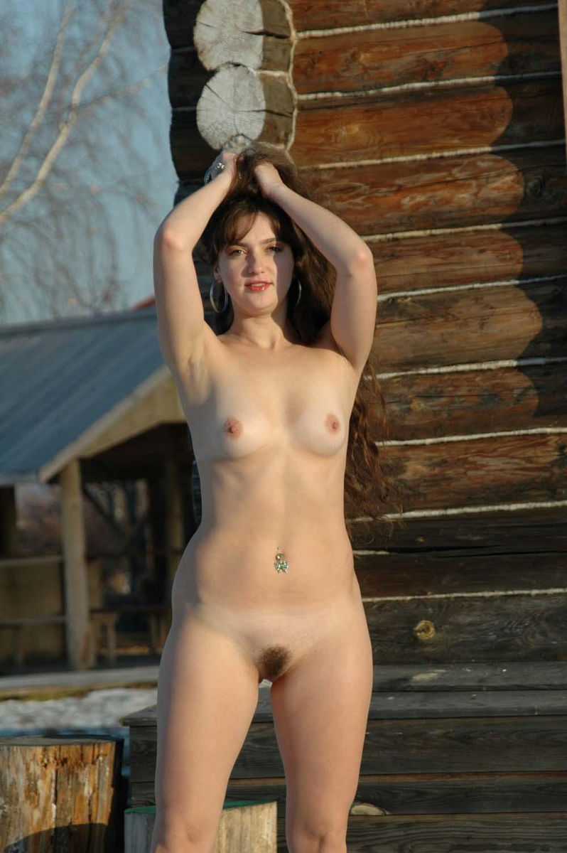 Long-Haired Angelika Posing Naked By An Old House -7264