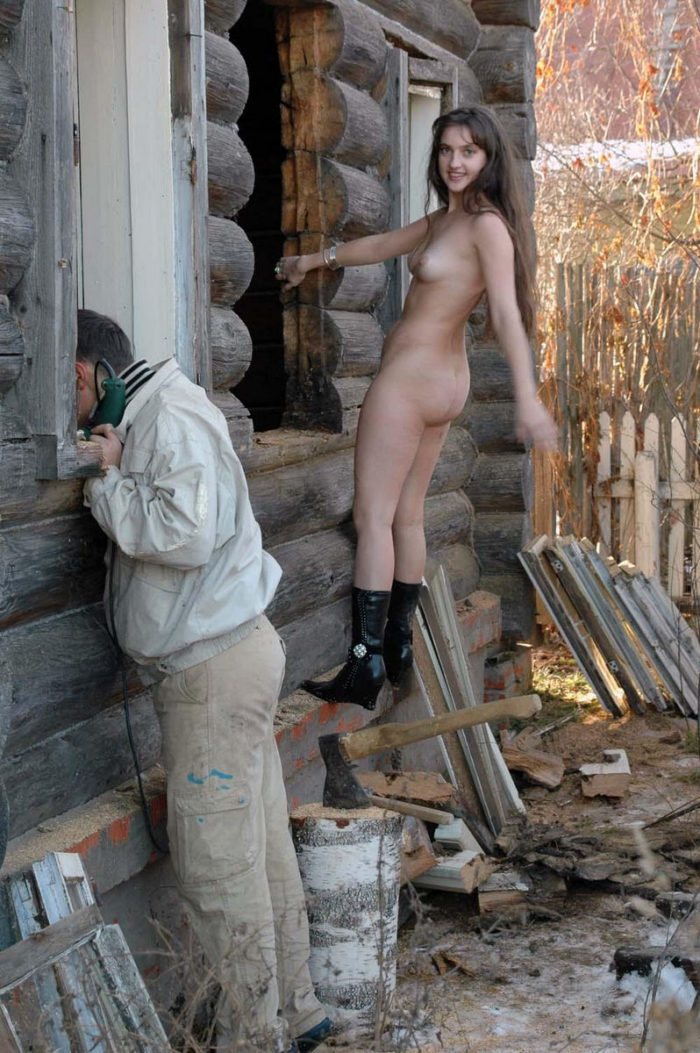 Naked girl Angelika helps workers