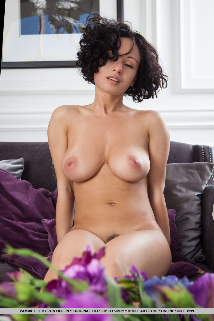 Idea large breasted naked woman your idea