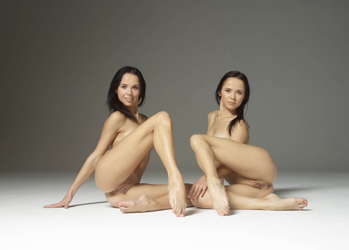 Two naked brunettes like a twins | Russian Sexy Girls