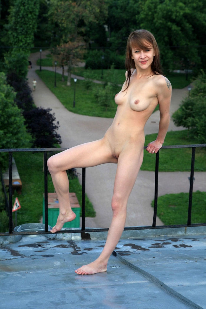 Skinny Russian Teen With Good Soft Boobs On The Roof -9856
