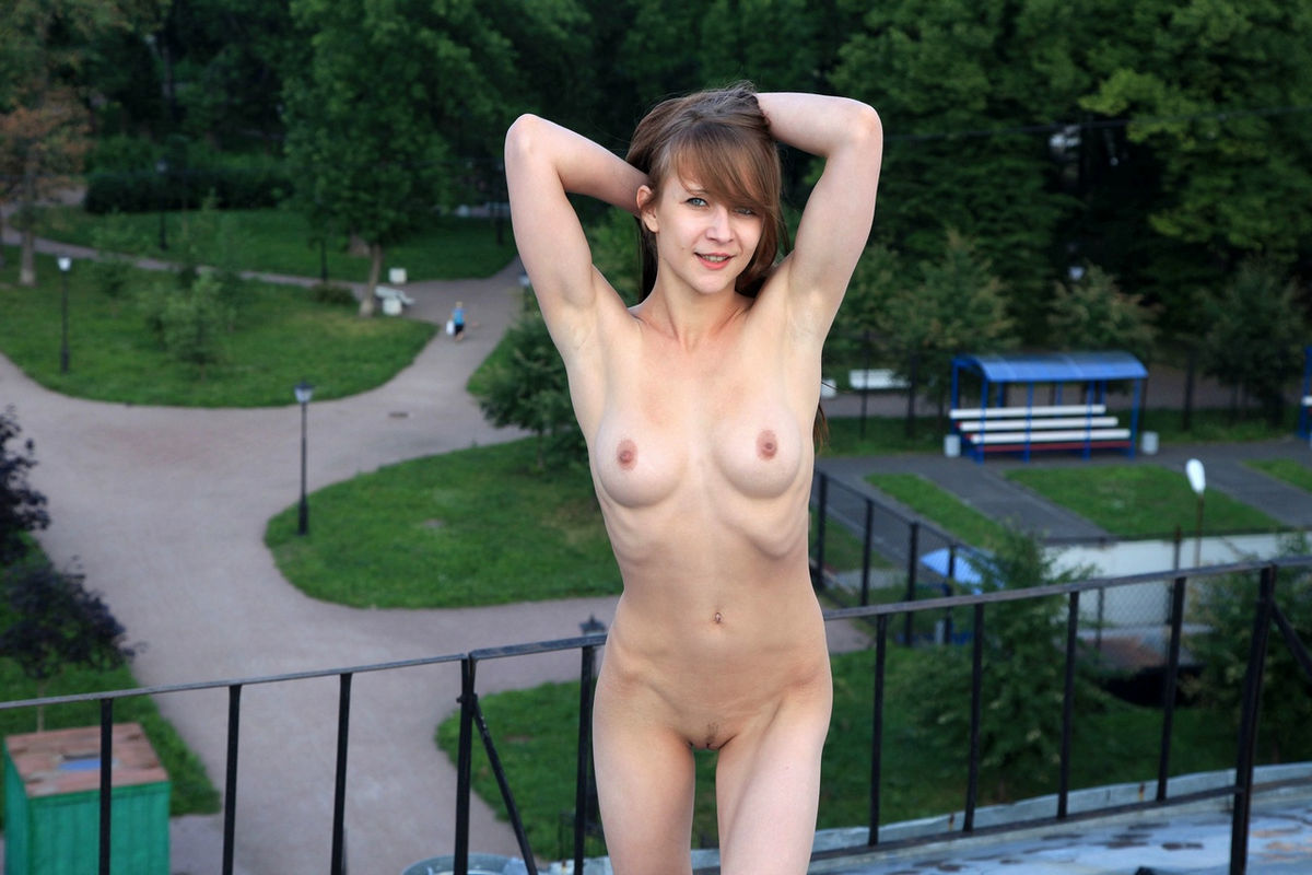 Skinny Russian Teen With Good Soft Boobs On The Roof -1442