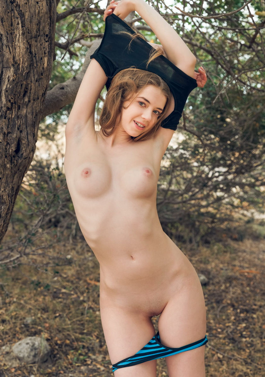 Beautiful Russian Teen With Perfect Boobs In The Woods -6104