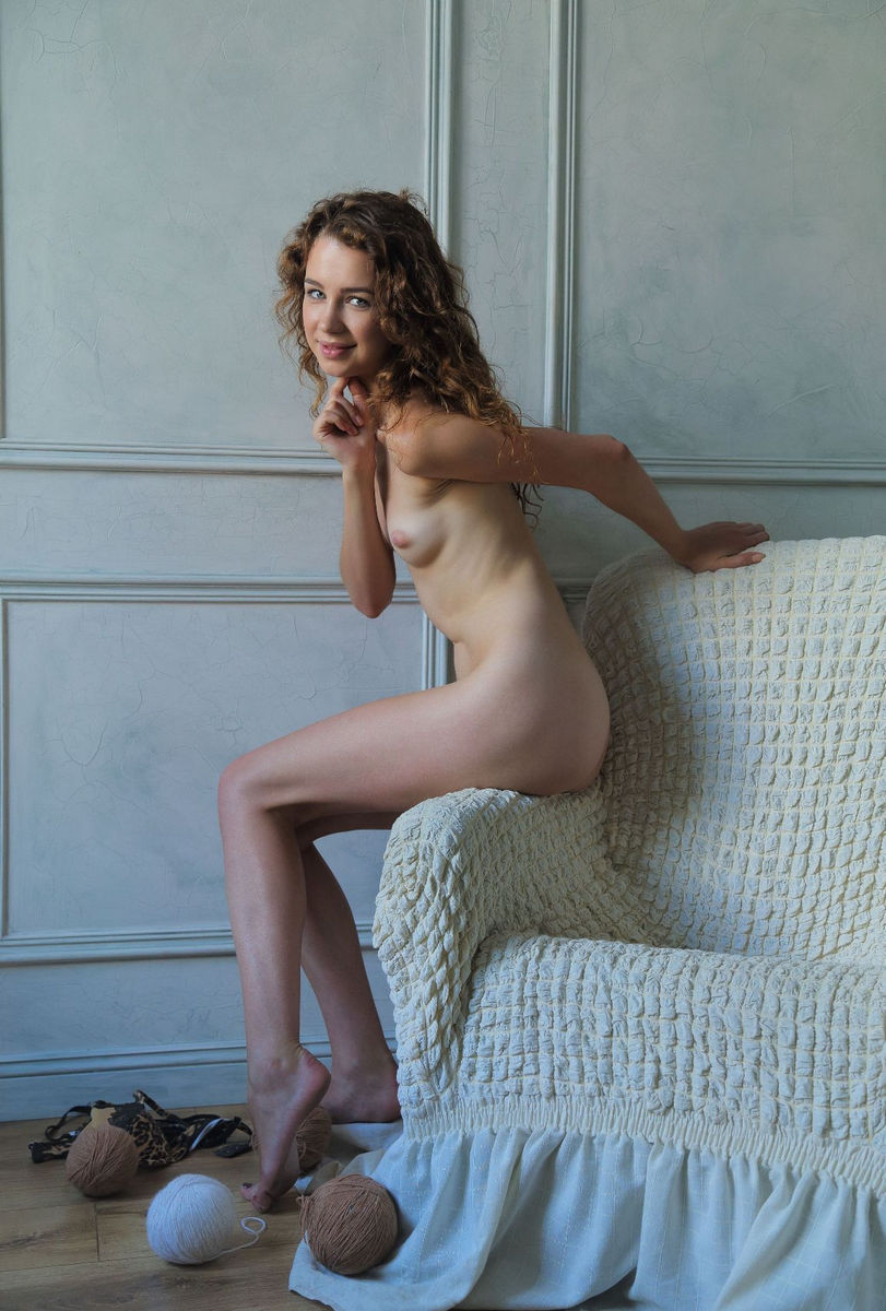 Teen Model Lilu M With Skinny Body And Charming Smile -9049