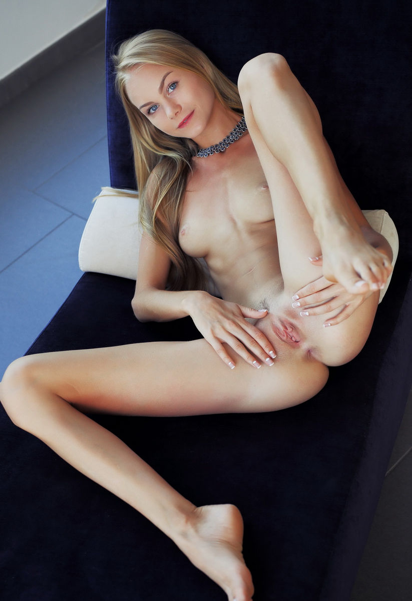 sexy models naked fingers pussy