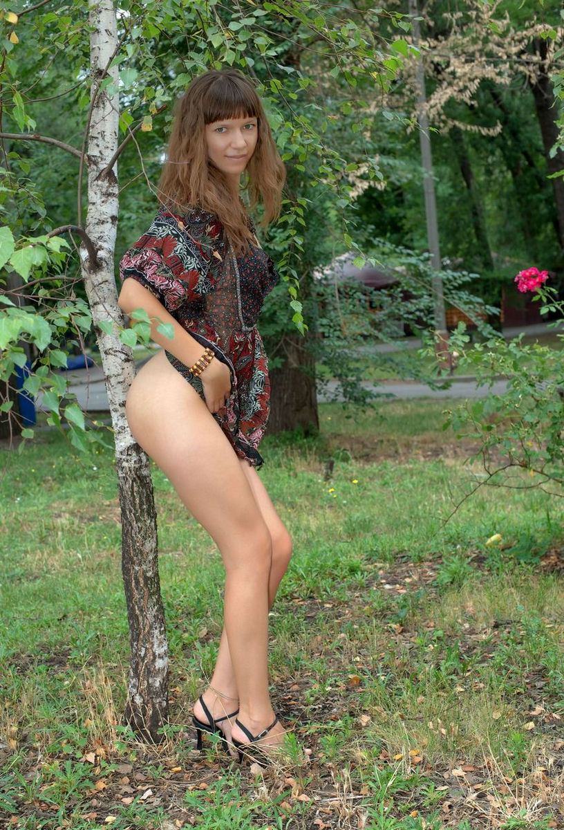 Crazy Teen Girl Loves To Flash At Public Places  Russian -2508