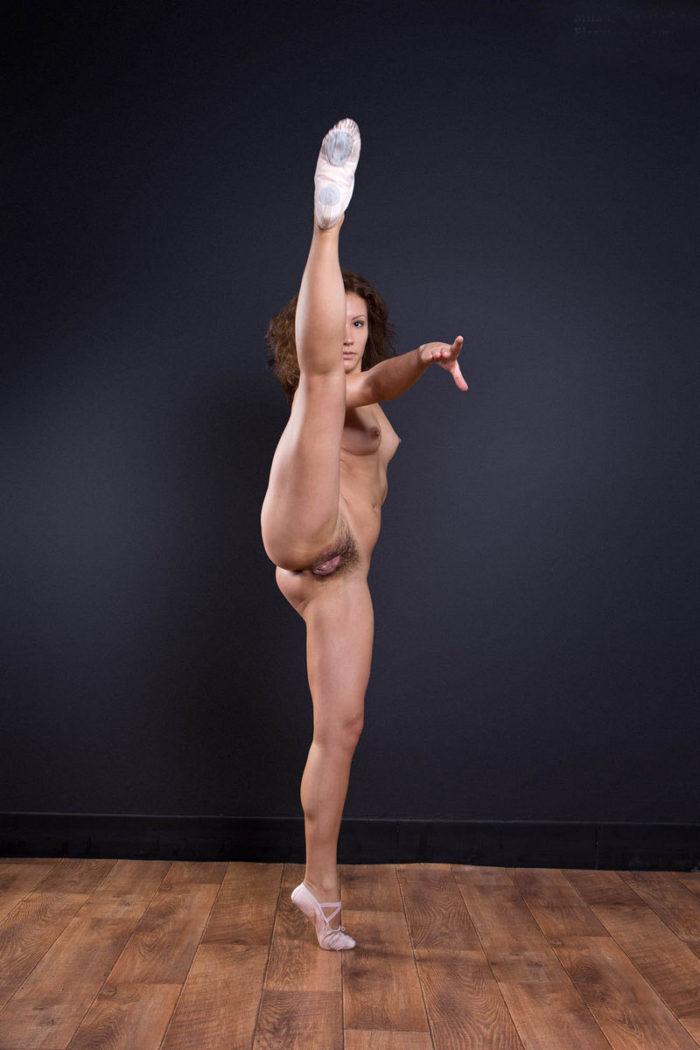 ballerina Nude spread