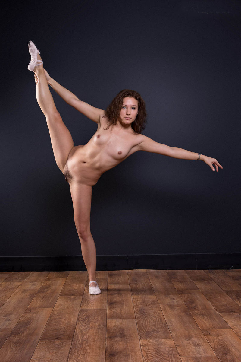 Naked Ballerina Widely Spreads Her Legs To Show Hairy -3980