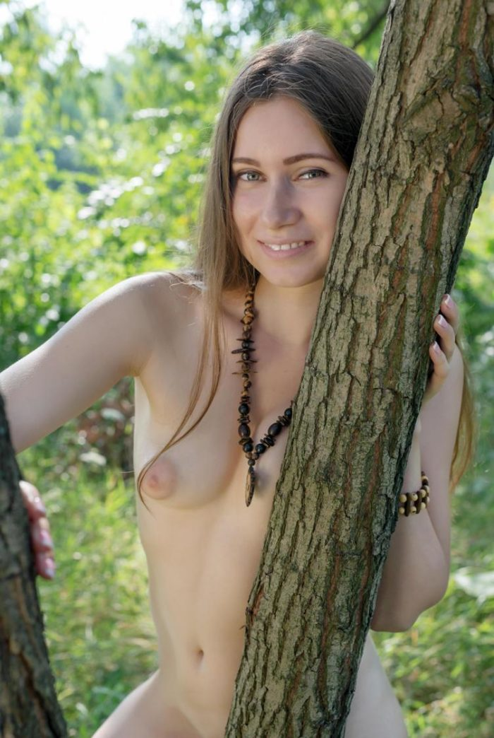 Hot babe Lady D in the woods