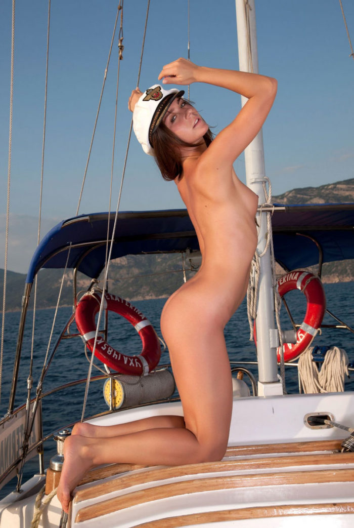 Hot babe on the yacht is always awesome
