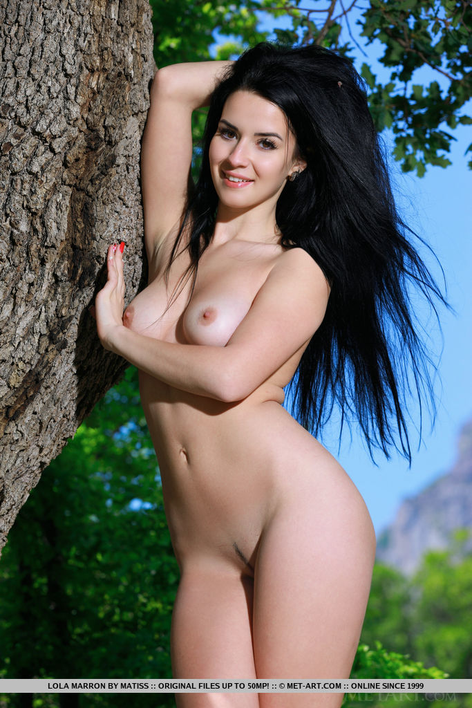 Lola Marron bares her amazing physique as she poses outdoors.