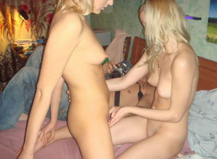 Russian amateur blonde loves to posing and lick some wet pussies