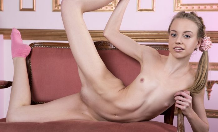 Skinny ballerina with yummy big pussy lips