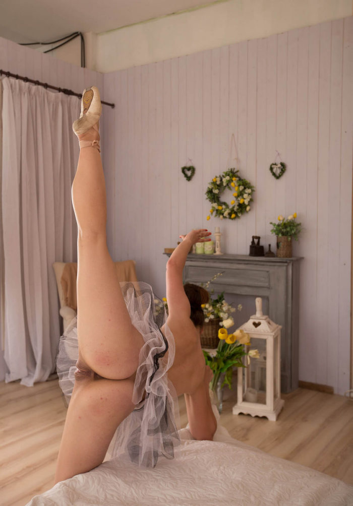 Naked balerina at her bedroom