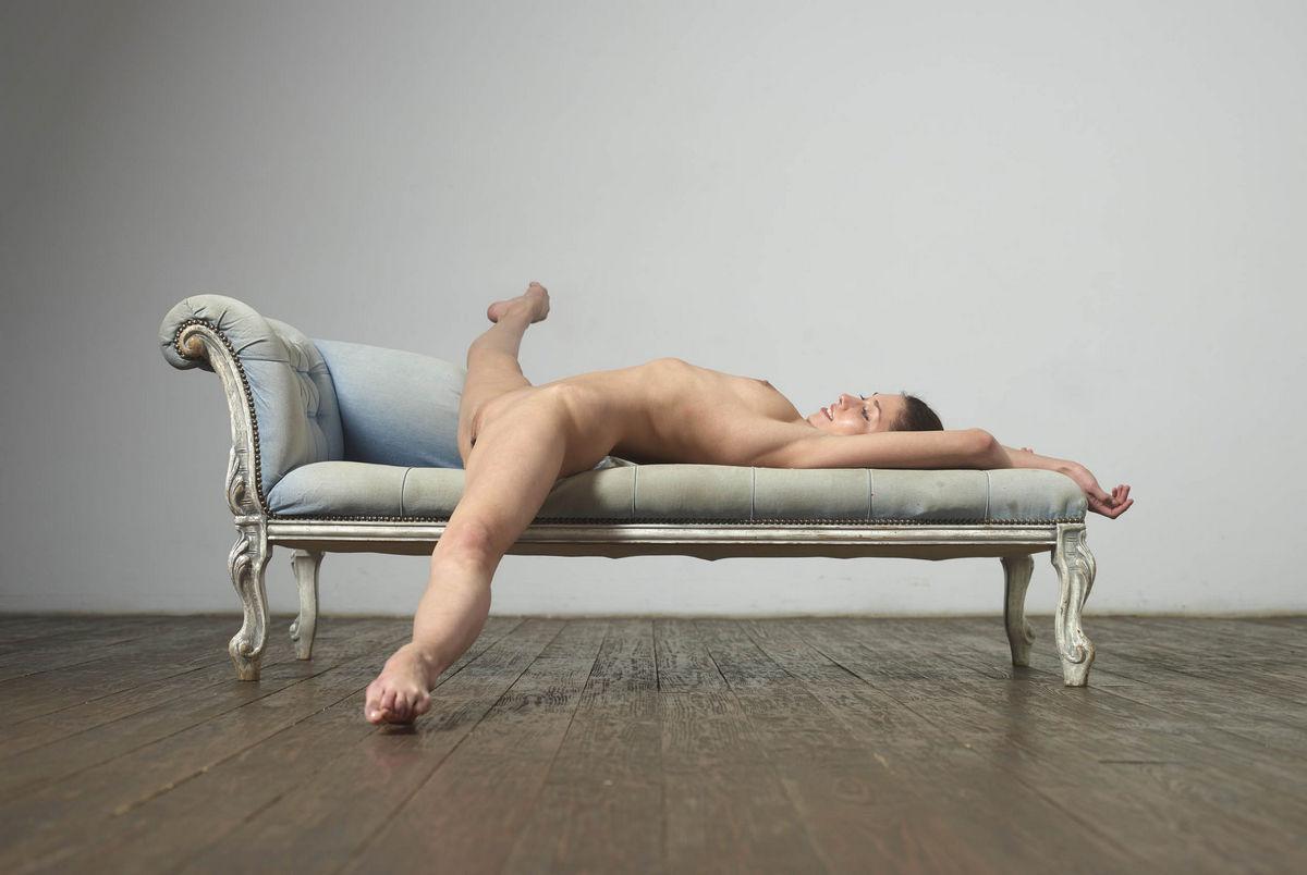 boy hanged naked