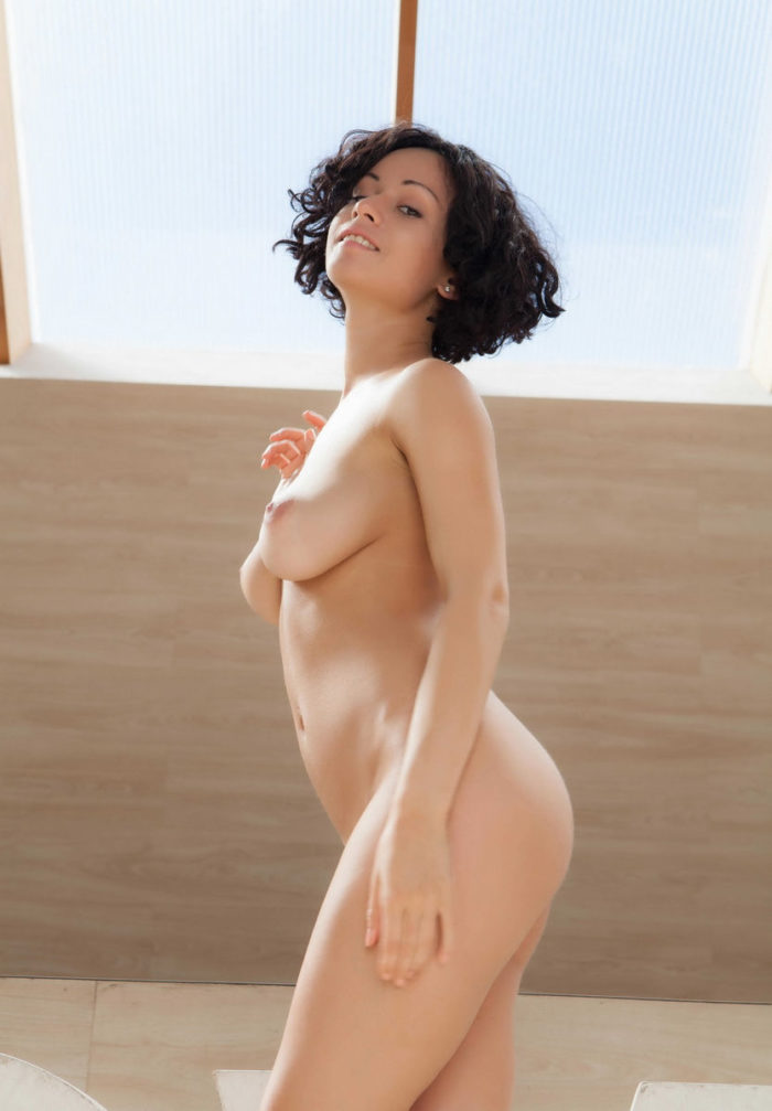 Sexiest brunette Pammie Lee with love