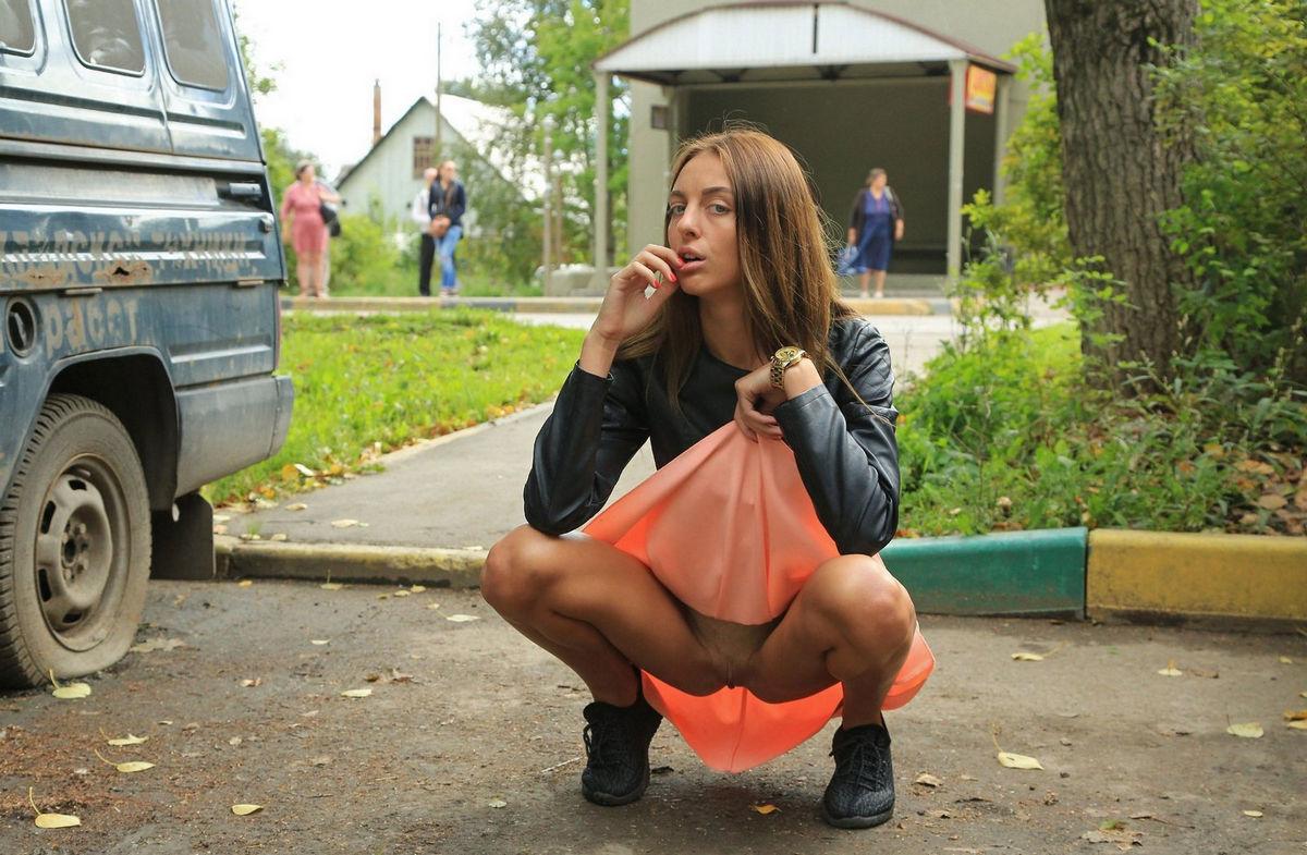 ulitsa-pod-yubkoy-foto