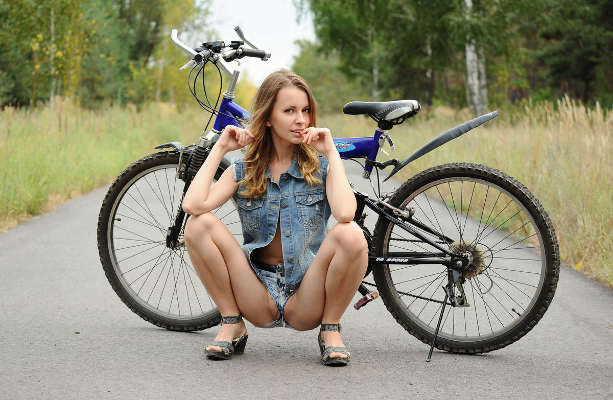 girl pussy on bicycle