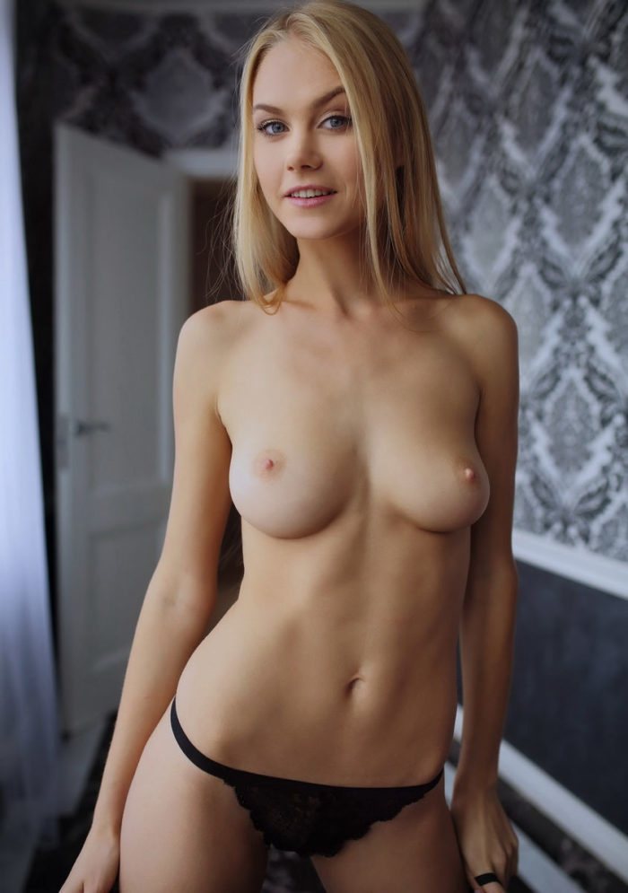 Very beautiful blonde Nancy A loves to show her perfect body
