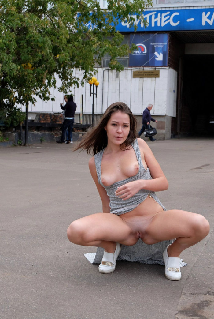 Moscow girl Alena shows her tits at streets