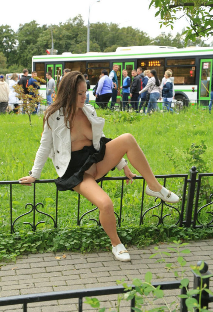 Russian teen Alena flashes in sexy black skirt