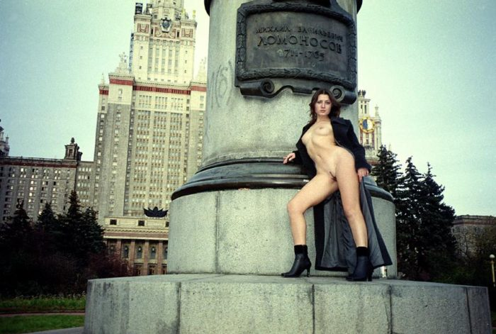 Teen girl Jella flashes her thin body by Moscow university