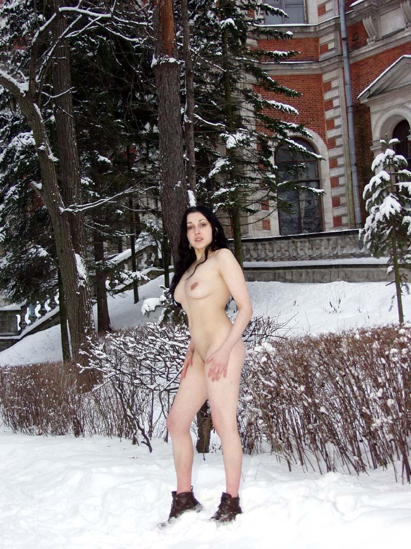 Naked Brunette Posing At Winter Park  Russian Sexy Girls-6009