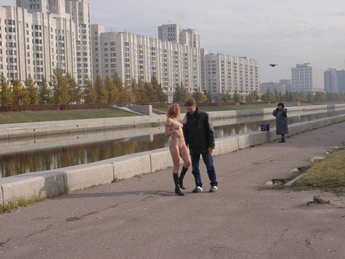 Russian blonde posing naked with stranger at streets