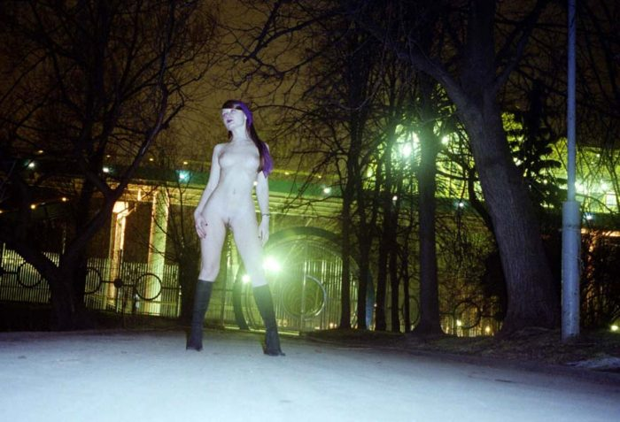 Russian girl Jella loves to walk naked at Moscow night streets