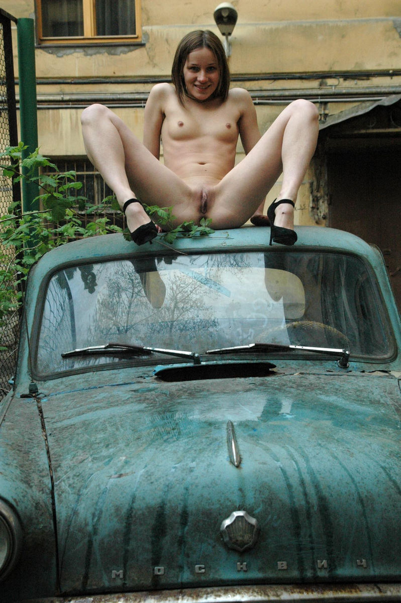 Naked girls and cars