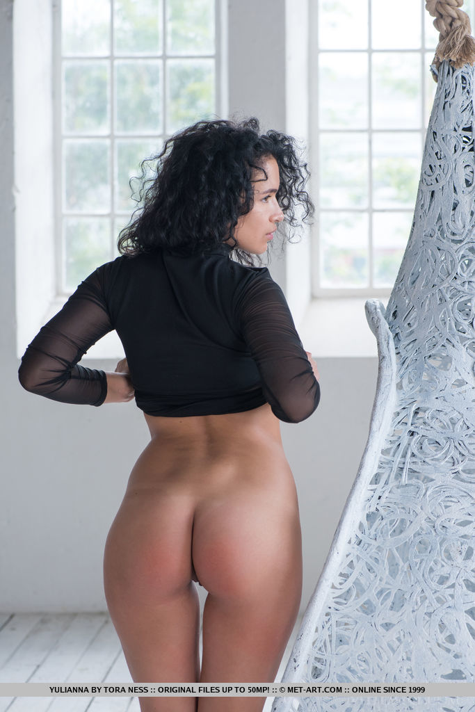 Yulianna bares her gorgeous ass and delectable body in her debut series.