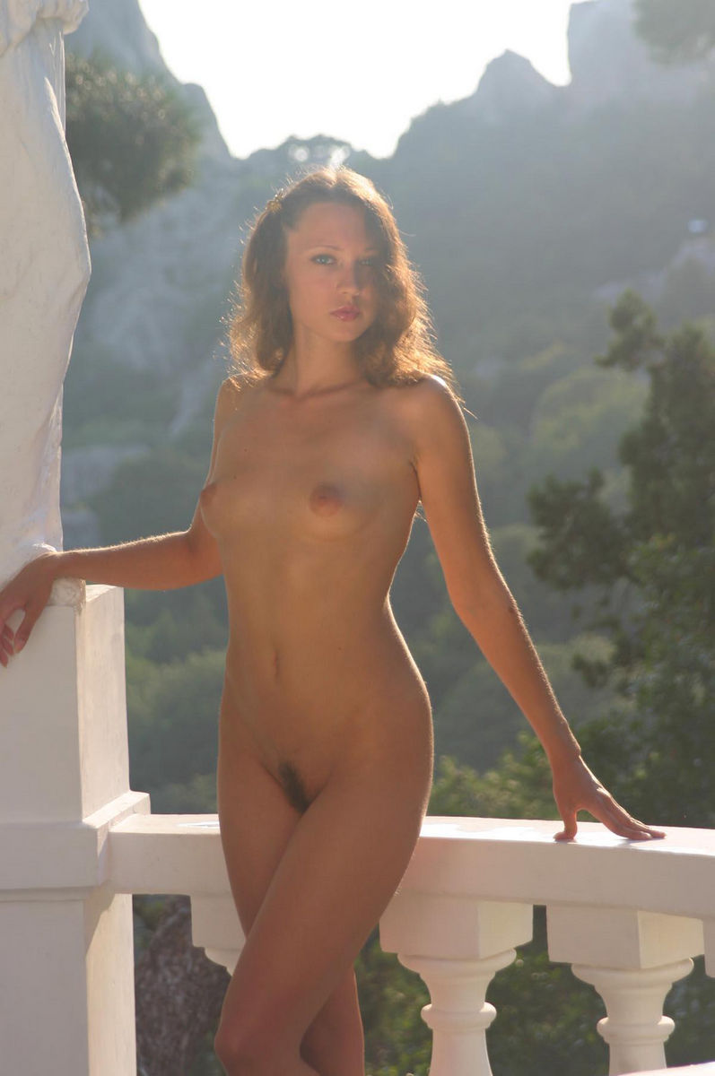 beautiful girl in naked news