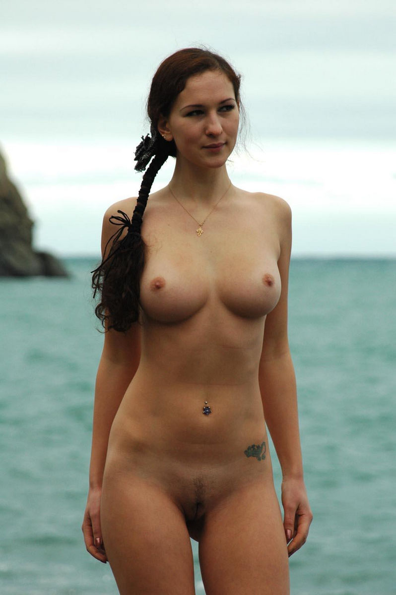 Huge-Titted Babe With A Pigtail On The Coast  Russian -1178