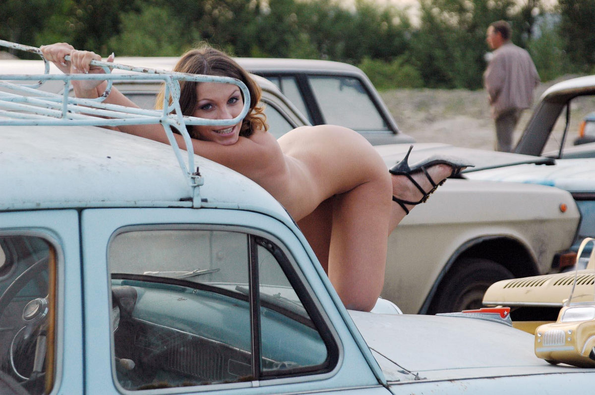 Naked girls and classic cars