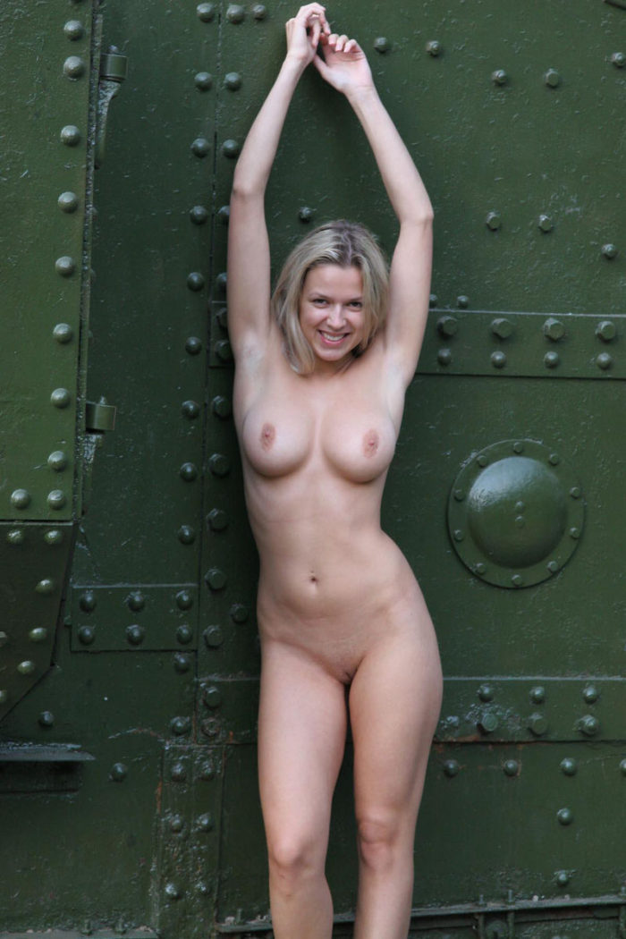 naked girls in town and fucking