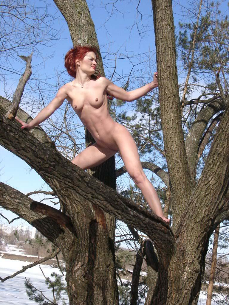 Nude Girl Climbs A Tree To Show Pussy  Russian Sexy Girls-7533