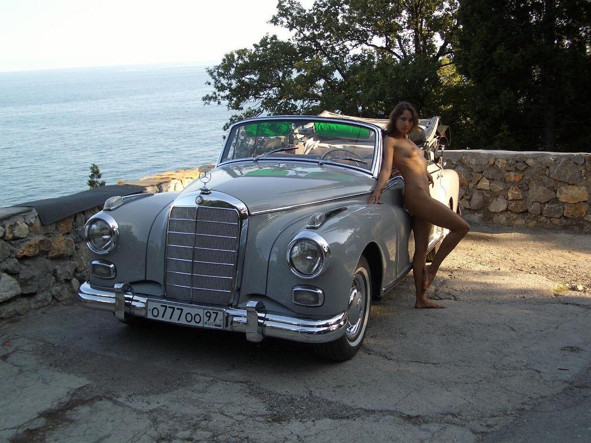 Mercedes Young  nackt