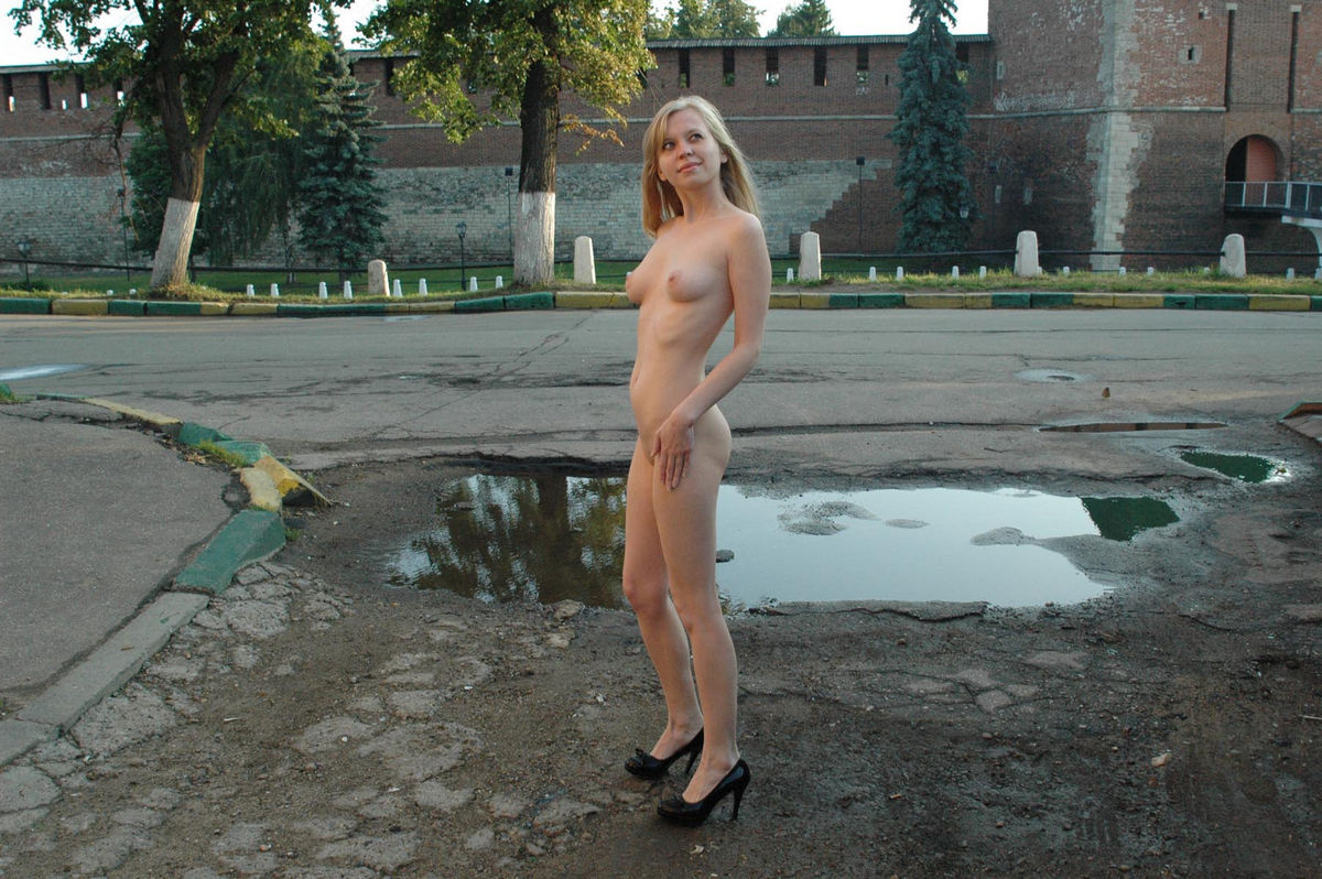 Nude Blonde Posing At City Center  Russian Sexy Girls-9979