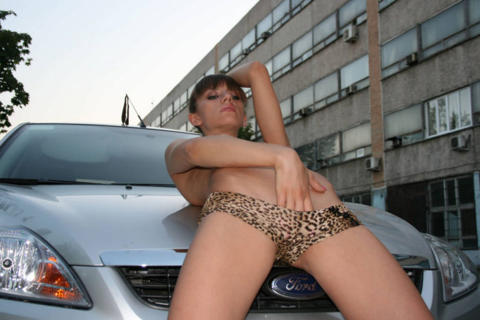 Russian amateur in leopard panties touches wet pussy in car