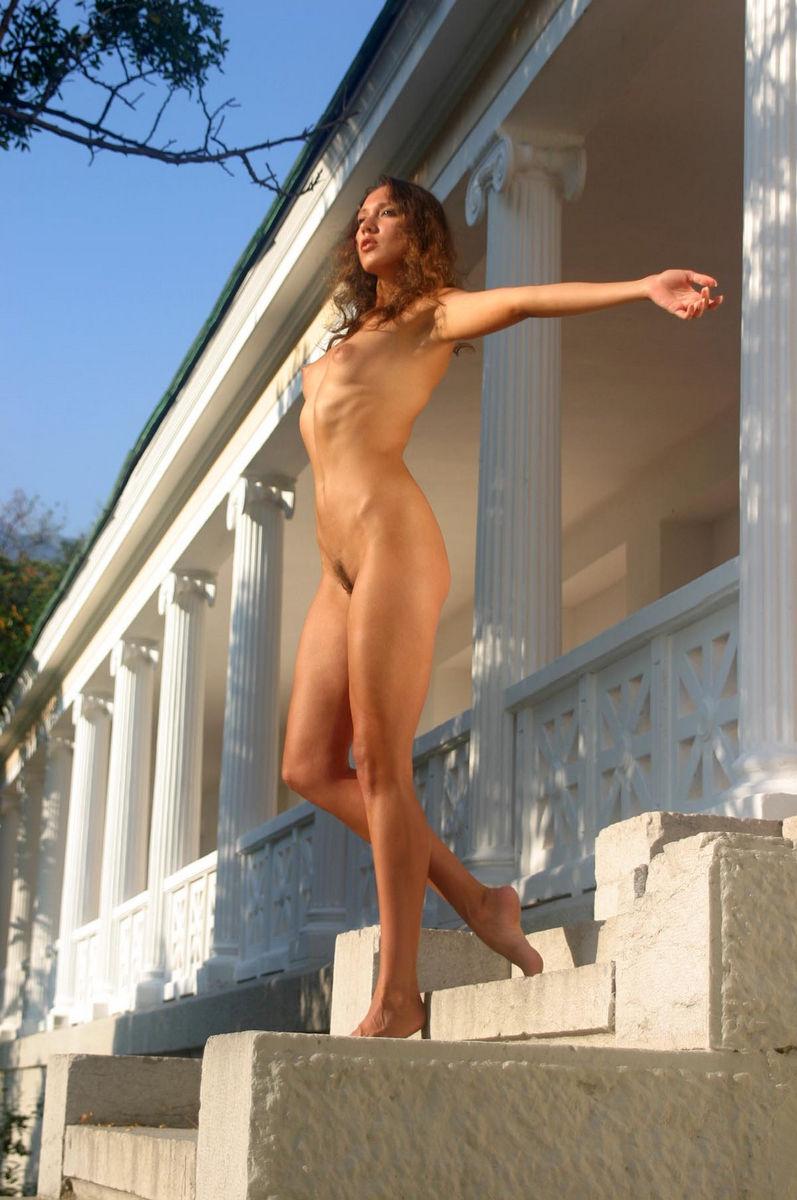 sex in public palace nude