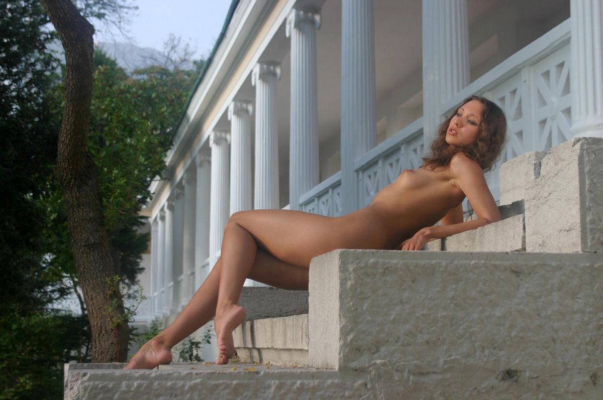 Opinion nudist girl posing can