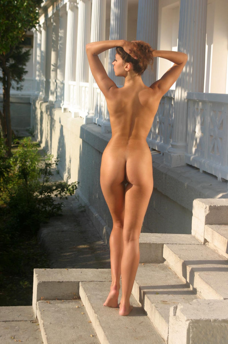 Sweet Teen Posing Nude At Crimean Palace  Russian Sexy Girls-5697