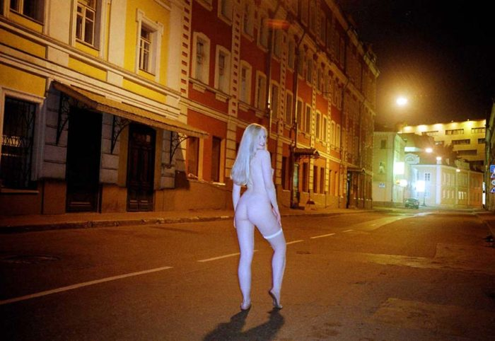 Crazy russian blonde walks nude at night Moscow streets