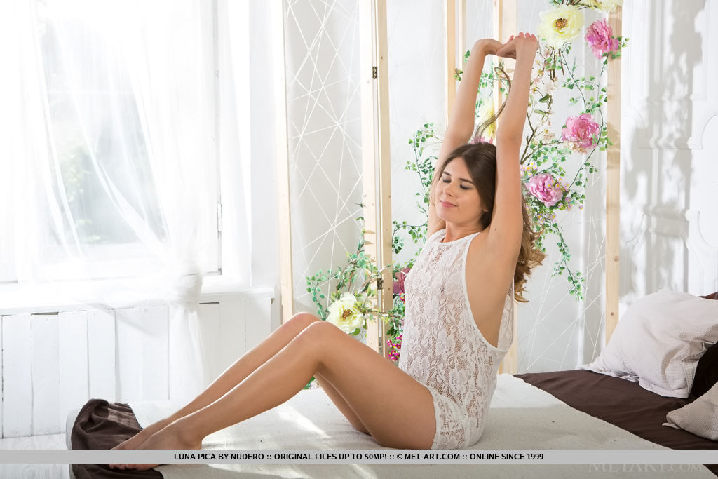 Luna Pica takes off her lace lingerie and enjoys the morning, posing, teasing, and seducing in bed